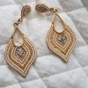 Francesca's Gold Tone Earrings W/ Pearl accents